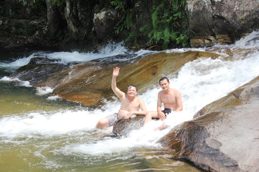 Tắm tiên ở Chư Yang Sin (K rông Bông- Đắk La81k)